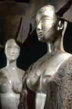 VOGEL N°1 TINAIDES  détail marbre, bois et fer. H 2m à 2,20m